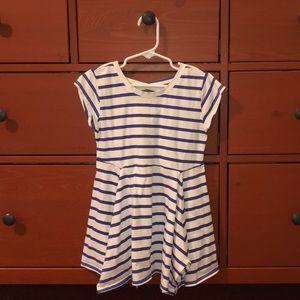 Oshkosh tunic. Blue and White. Size 6/6X